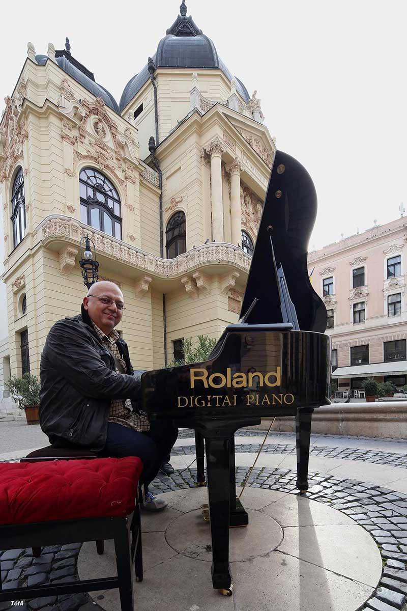 Balogh Csaba hangszerész